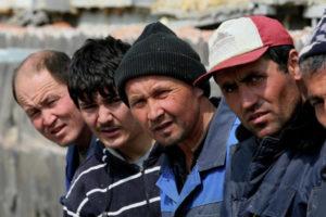 в РФ мигранты